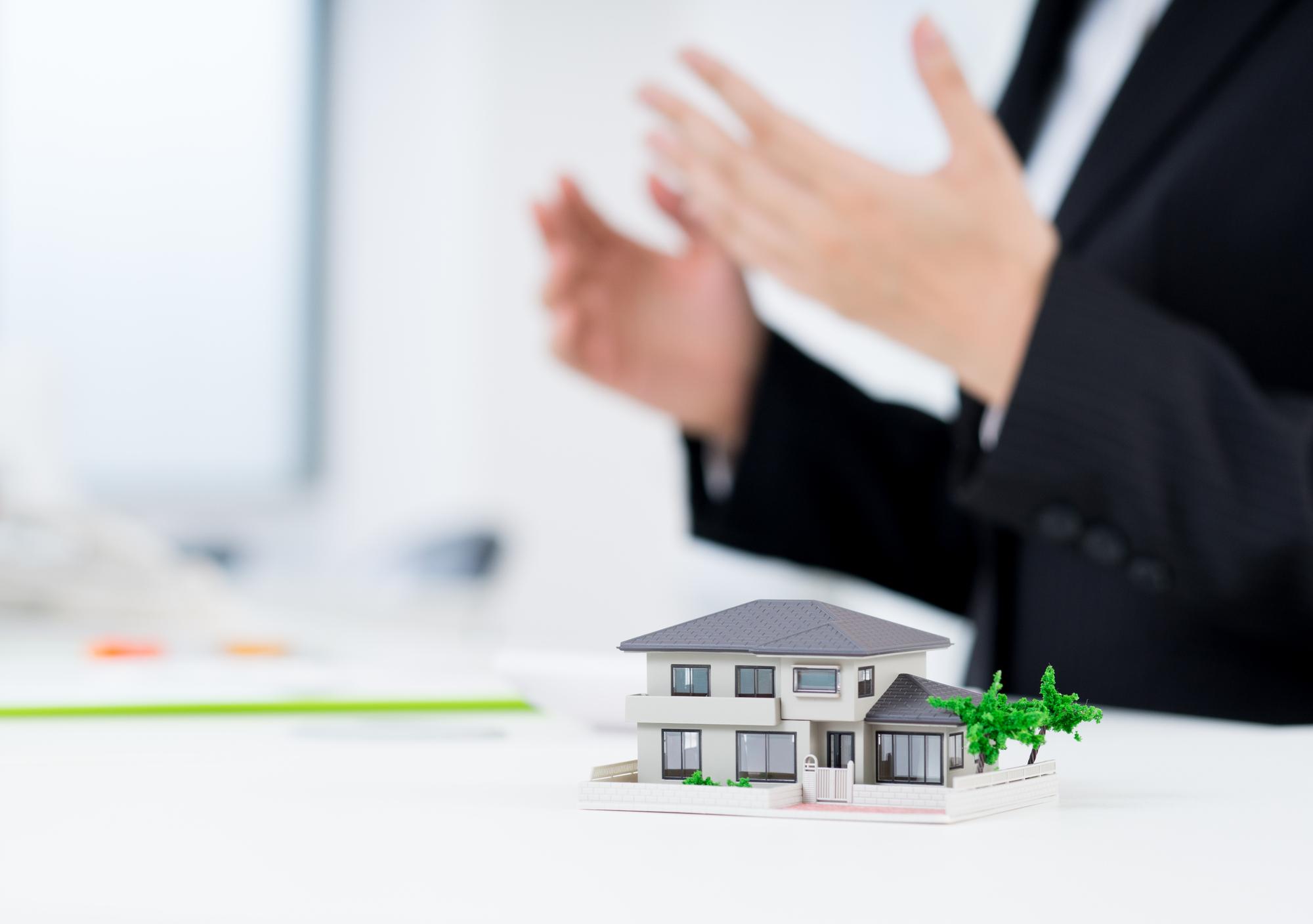 ハウスメーカーの解約(契約解除)はできる?違約金が発生するタイミングや返金について解説【専門家監修】