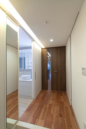 ルーバー天井の家・リノベーションマンションの写真11