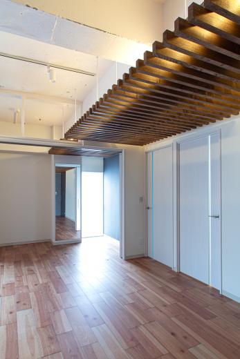 ルーバー天井の家・リノベーションマンションの写真12