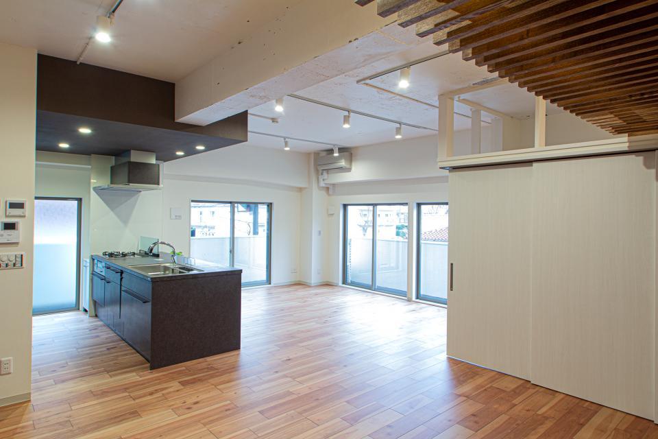 ルーバー天井の家・リノベーションマンションの写真6