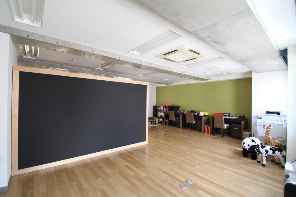 木のオフィスの写真1
