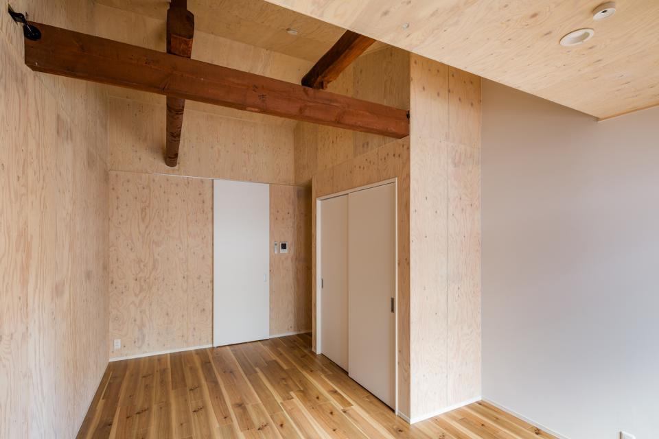 可愛らしく変わった、リノベーションアパートメントの写真1