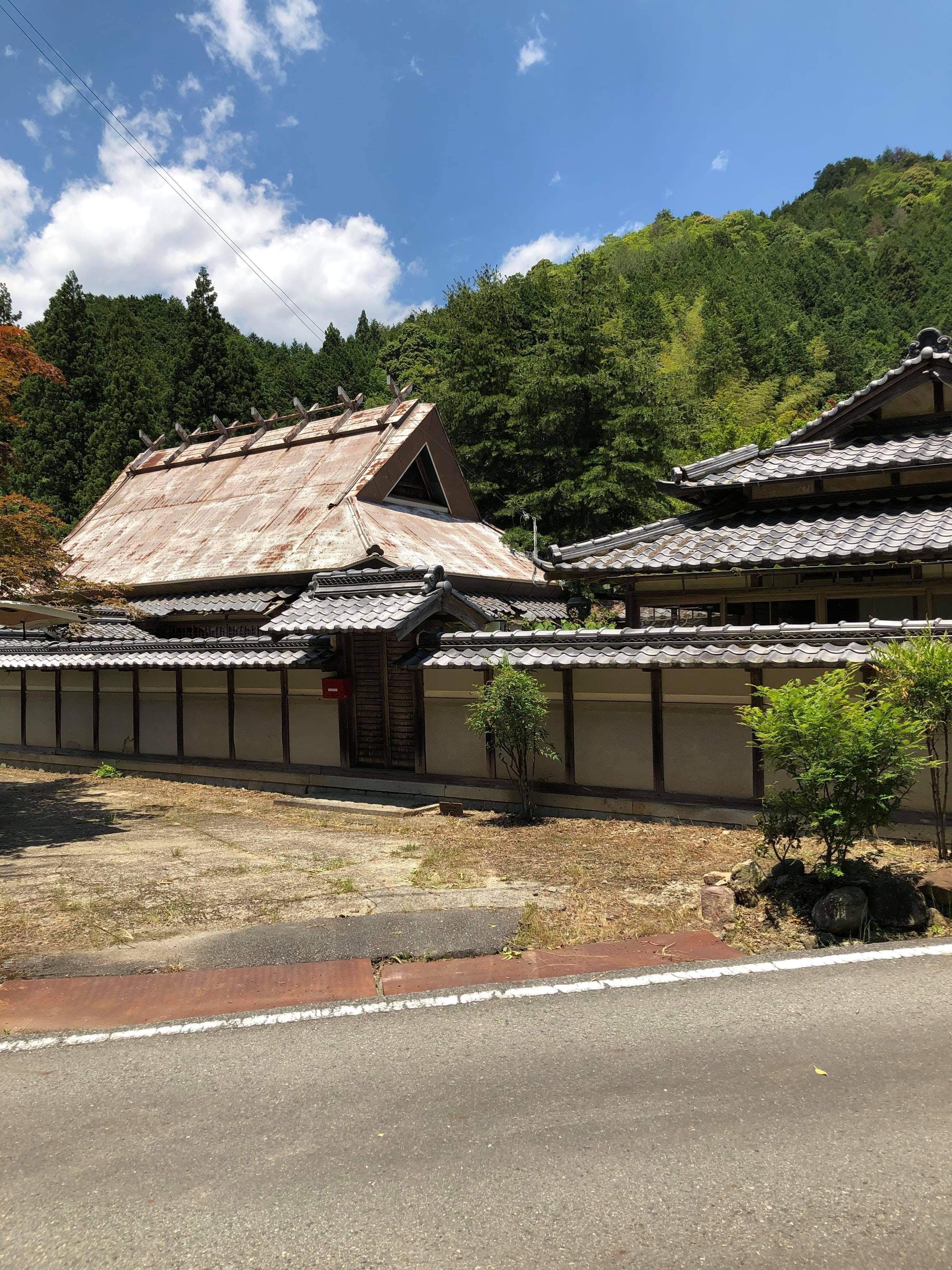 里山・田んぼ(農地)の風景を活かした宿泊施設の写真1