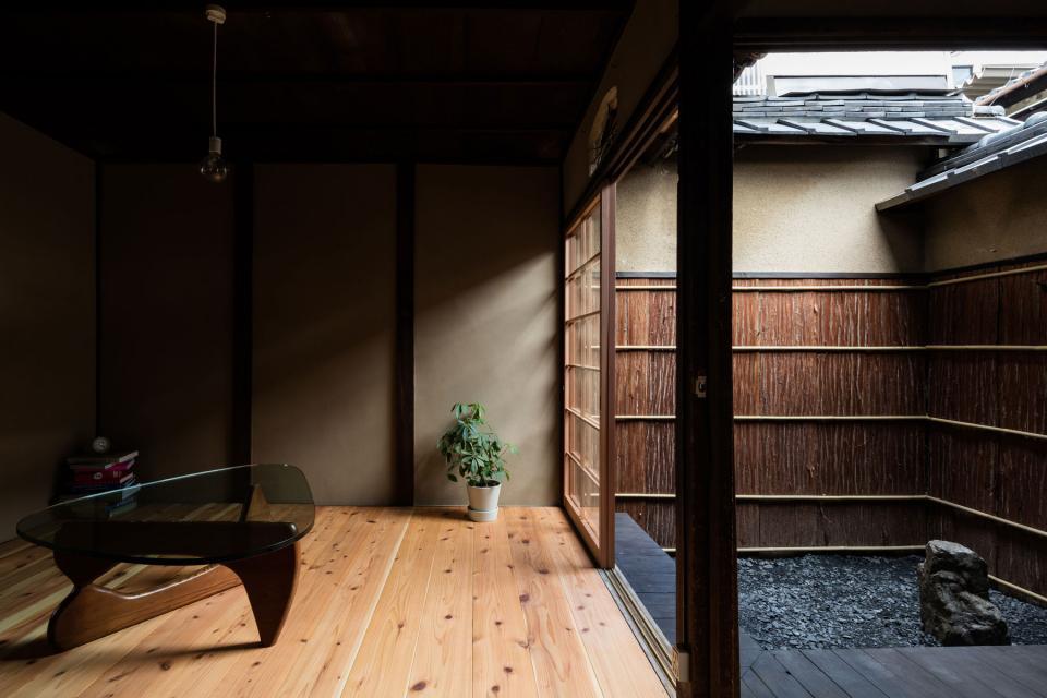 昭和小路の長屋|賃貸向け京町家のリノベーションの写真0