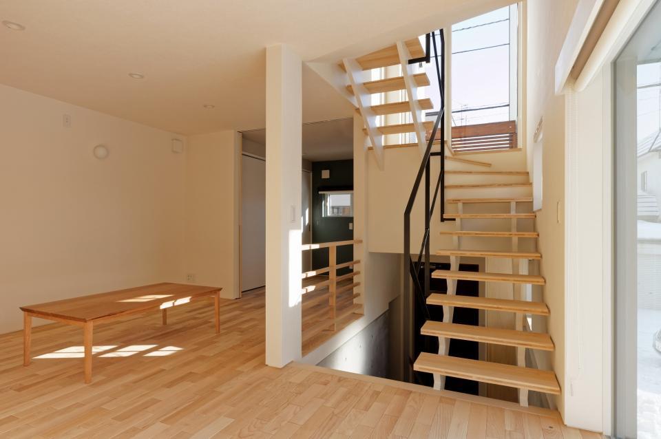 段差を繋ぐ家の写真8