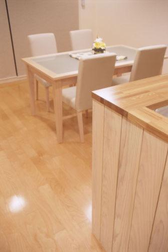 岡崎のマンション -斜めに切り取られた和室が空間の可能性を広げる-の写真2