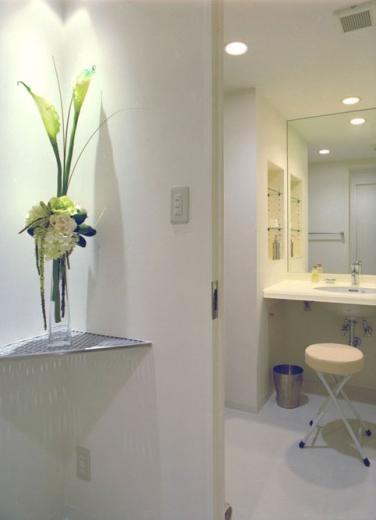 岡崎のマンション -斜めに切り取られた和室が空間の可能性を広げる-の写真3