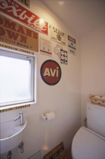 アンティーク雑貨に囲まれて暮らす家の写真6