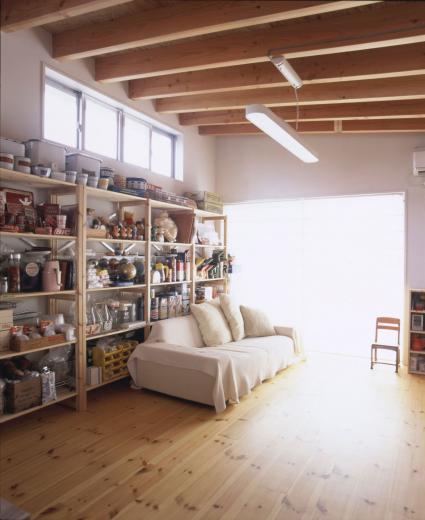 アンティーク雑貨に囲まれて暮らす家の写真7