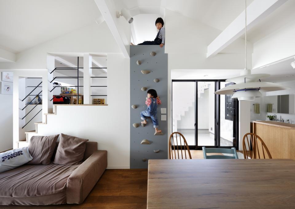 5段の距離がいい -程よい距離感の二世帯住宅 長屋のフルリノベーション-の写真0