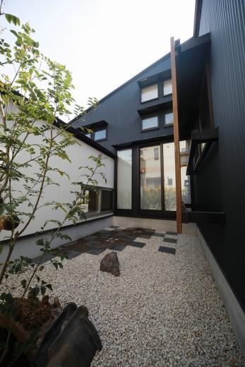 大屋根光庭の家/蒲郡の写真3