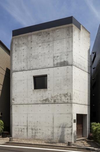 千駄ヶ谷のコンクリート打放しの写真1