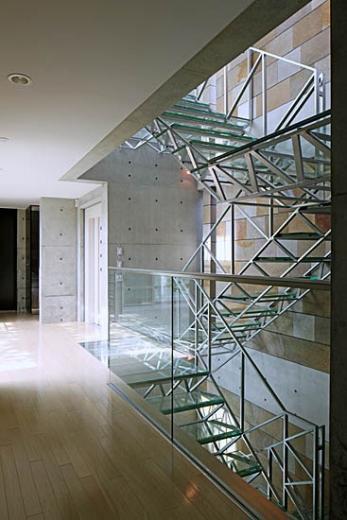 二段テラスの家の写真15