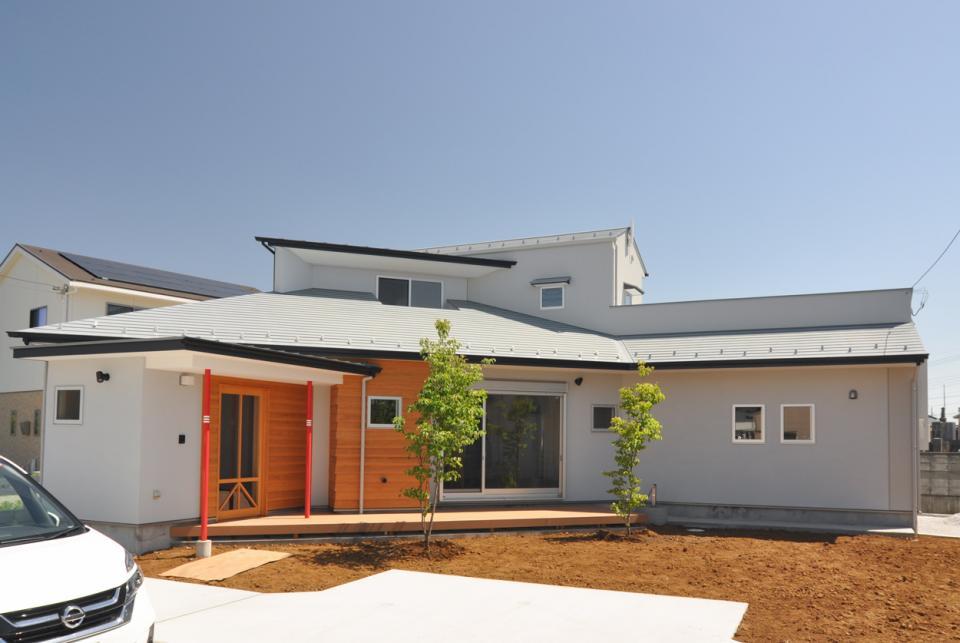 室内と庭空間 敷地を一体化する三角形プランの写真9