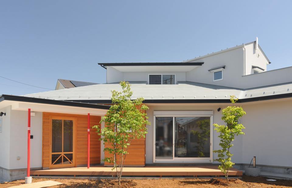 室内と庭空間 敷地を一体化する三角形プランの写真10