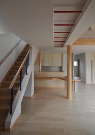 室内と庭空間 敷地を一体化する三角形プランの写真17