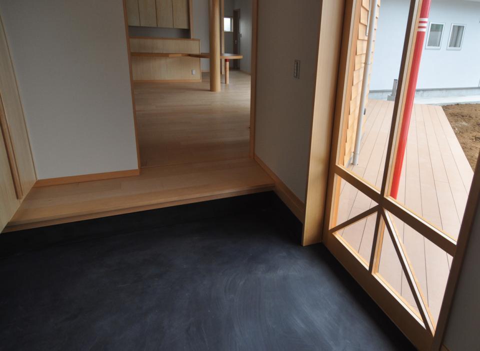 室内と庭空間 敷地を一体化する三角形プランの写真22