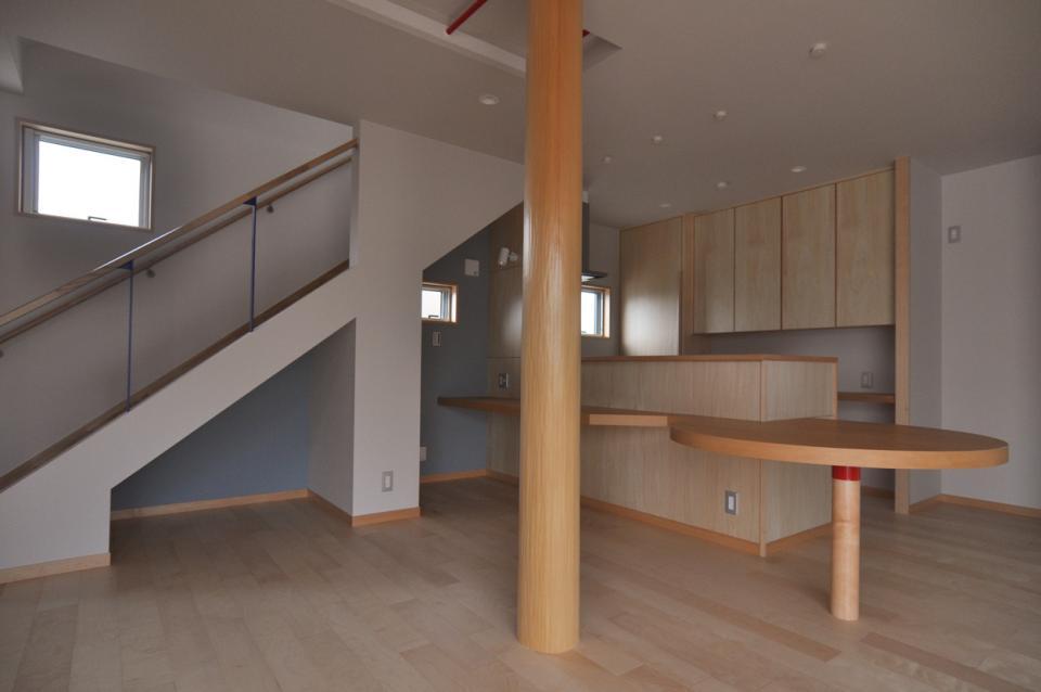 室内と庭空間 敷地を一体化する三角形プランの写真6