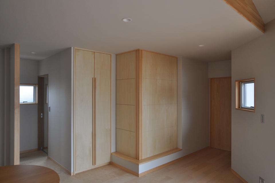 室内と庭空間 敷地を一体化する三角形プランの写真8