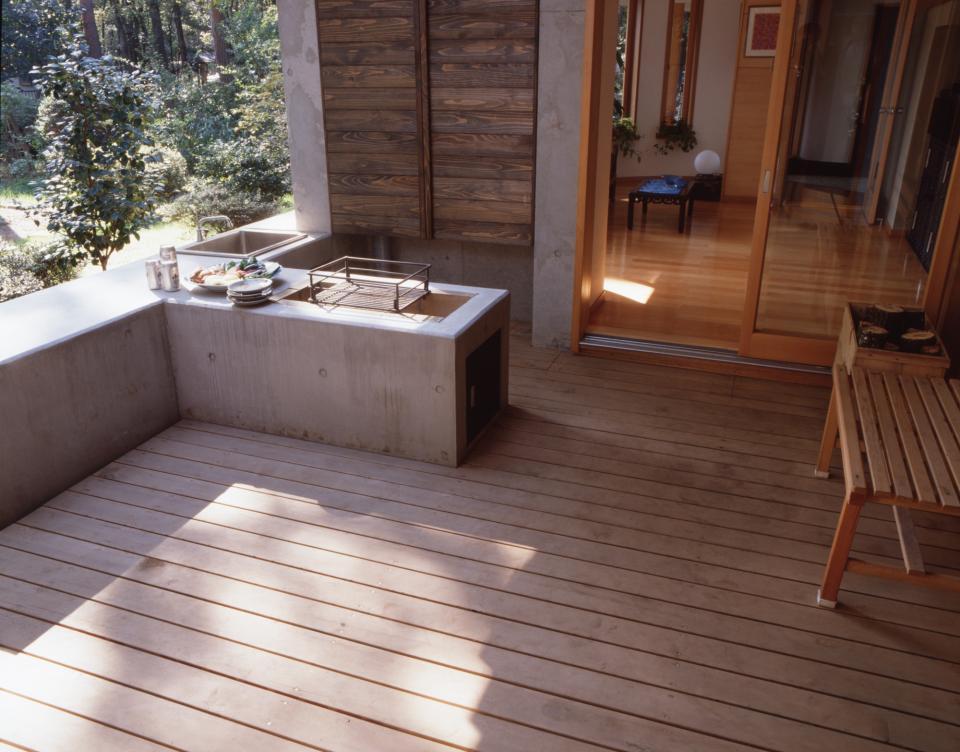 【雑木林の中の回遊住宅】屋上庭園に点在するアトリエの写真8
