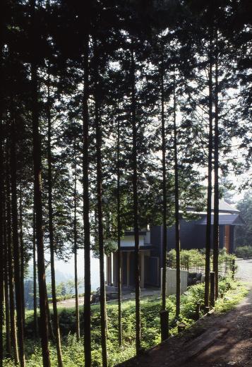 顔振峠 山頂の週末住宅(飯能市)【空と稜線の間で】の写真4