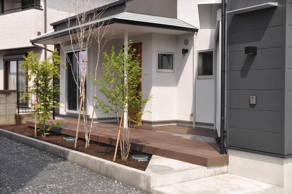 T字路の突き当たり:クルマとヒトを分離する家の写真3