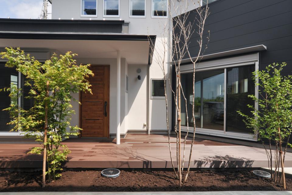 T字路の突き当たり:クルマとヒトを分離する家の写真5