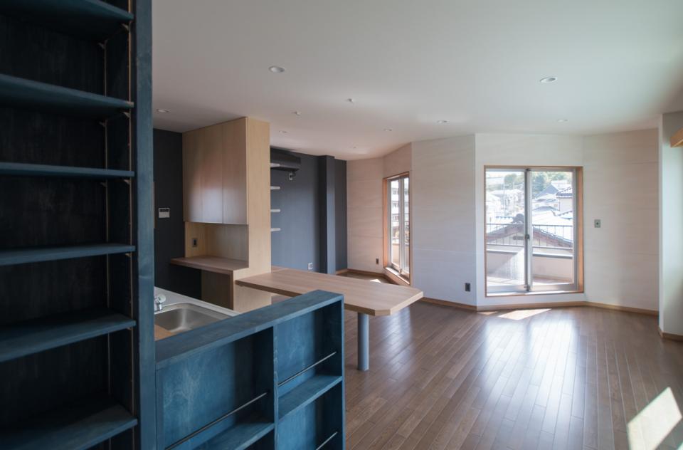 築30年 鉄骨3階建てオフィス兼用住宅 3階部分『オフィス→住宅』リノベーションの写真1