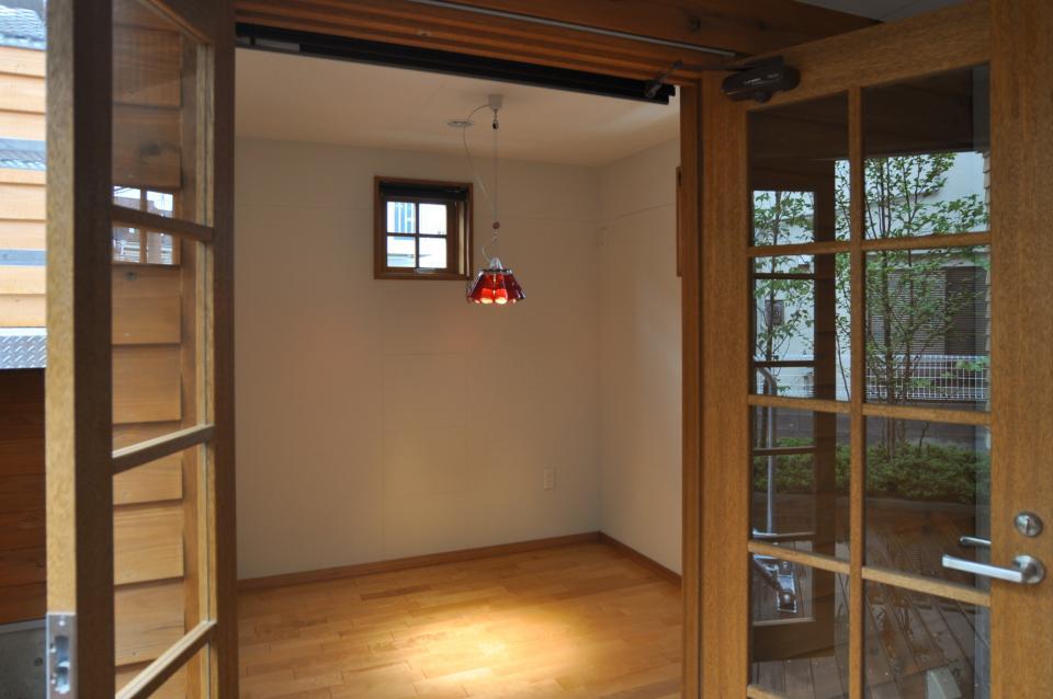 雛壇ステージ&中庭デッキテラスの家の写真13