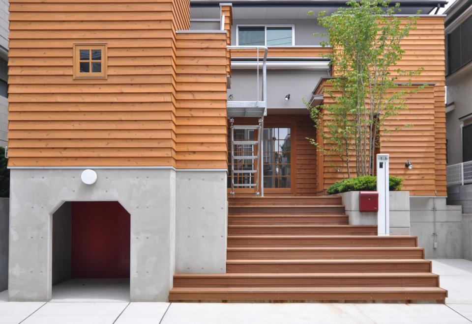 雛壇ステージ&中庭デッキテラスの家の写真1