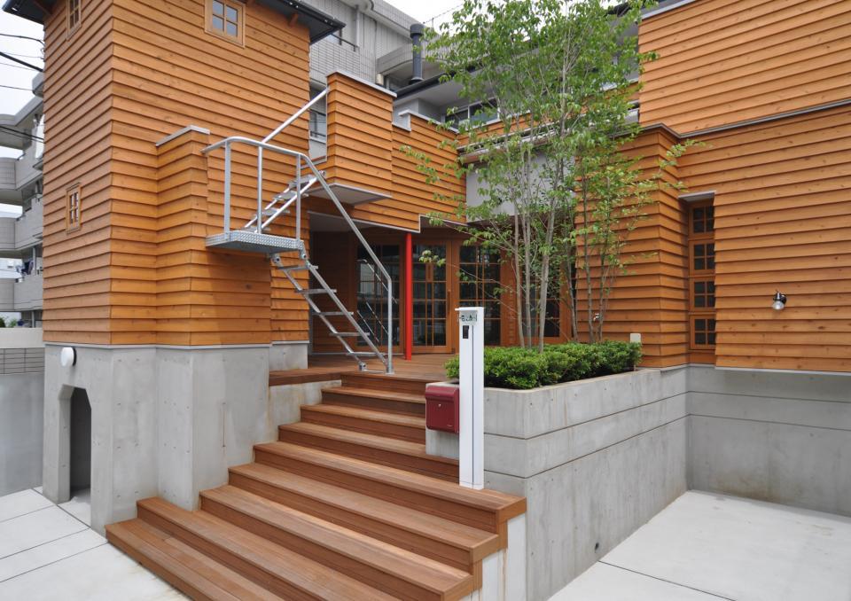 雛壇ステージ&中庭デッキテラスの家の写真2