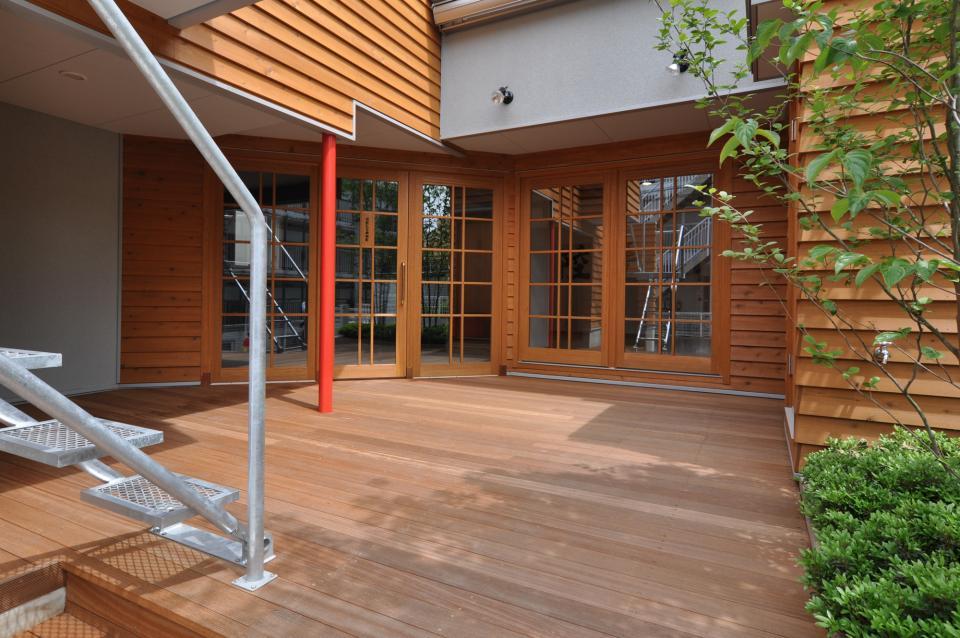 雛壇ステージ&中庭デッキテラスの家の写真3