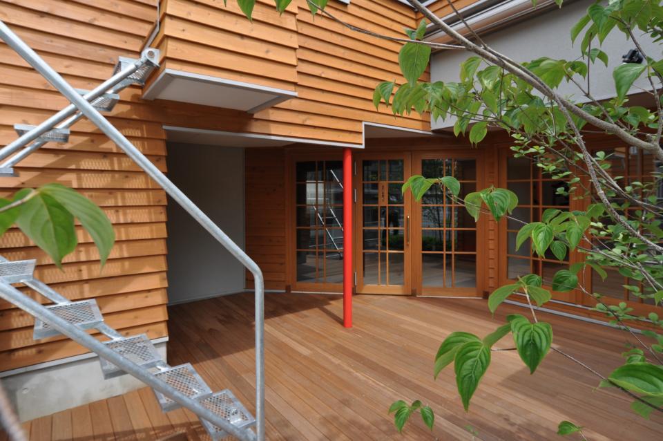 雛壇ステージ&中庭デッキテラスの家の写真4