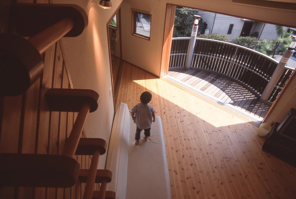 2階リビング&円形バルコニーの2世帯住宅の写真1