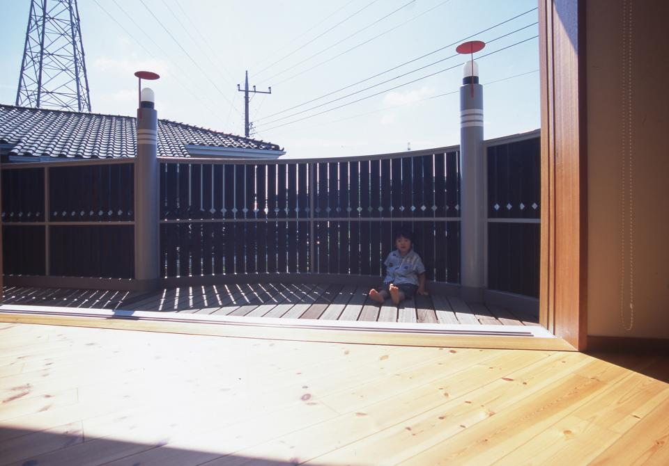 2階リビング&円形バルコニーの2世帯住宅の写真2