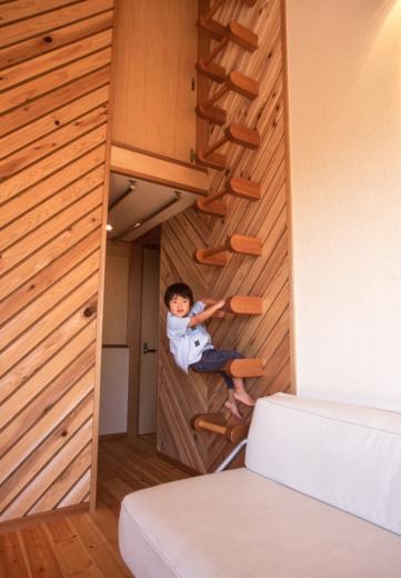 2階リビング&円形バルコニーの2世帯住宅の写真3