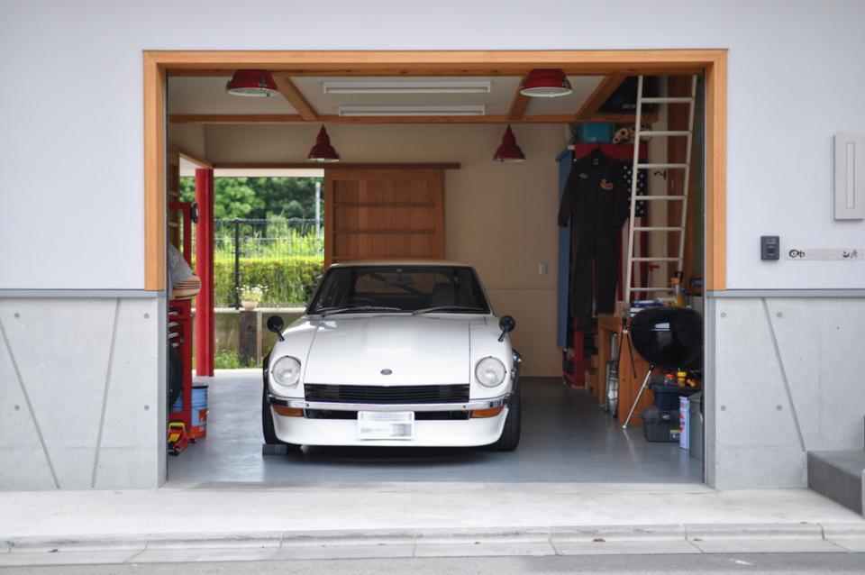 ガレージ&ロフト 吹き抜けリビングの家の写真1