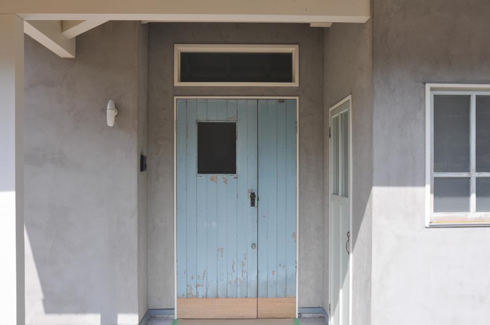 アンティーク部材(施主支給)と塗装仕上げの家の写真13