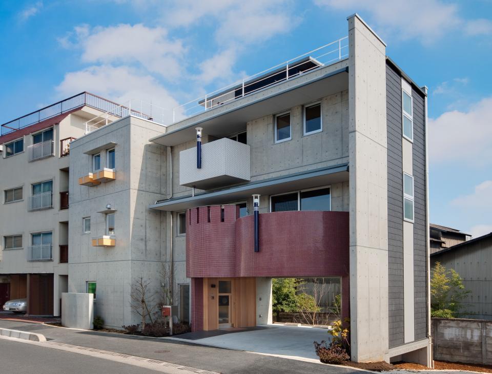 極小住宅 鉄筋コンクリート造 (3F+B1)の縦方向の広がりの写真0