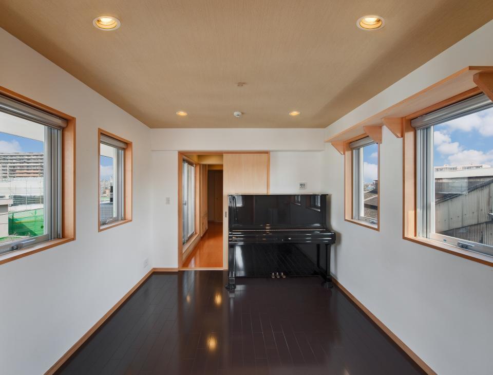 極小住宅 鉄筋コンクリート造 (3F+B1)の縦方向の広がりの写真11