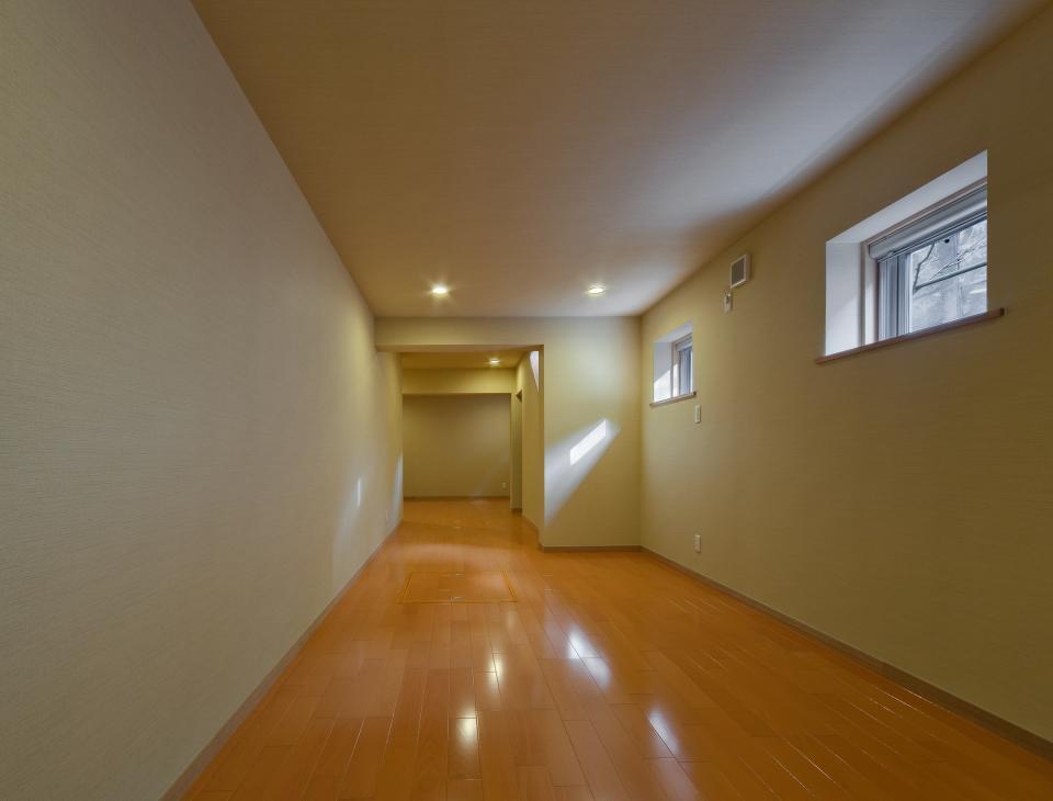 極小住宅 鉄筋コンクリート造 (3F+B1)の縦方向の広がりの写真14