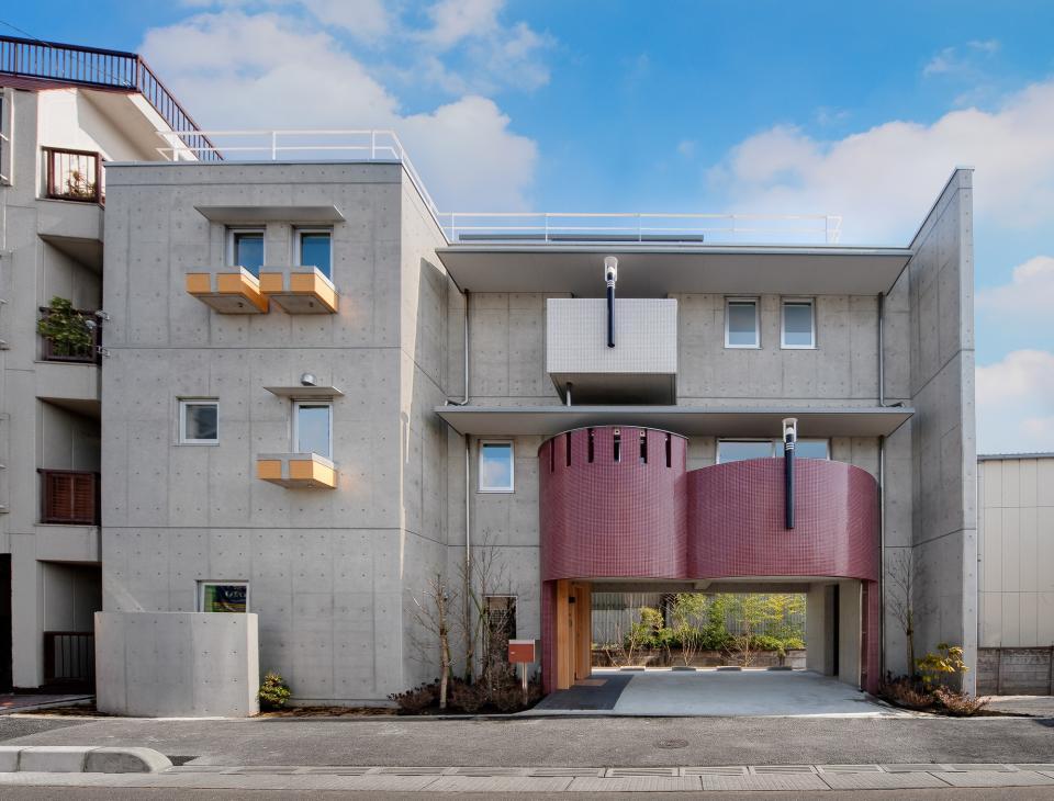極小住宅 鉄筋コンクリート造 (3F+B1)の縦方向の広がりの写真1
