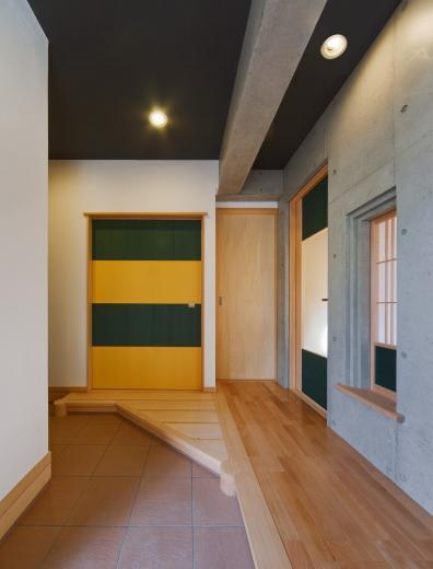 極小住宅 鉄筋コンクリート造 (3F+B1)の縦方向の広がりの写真4