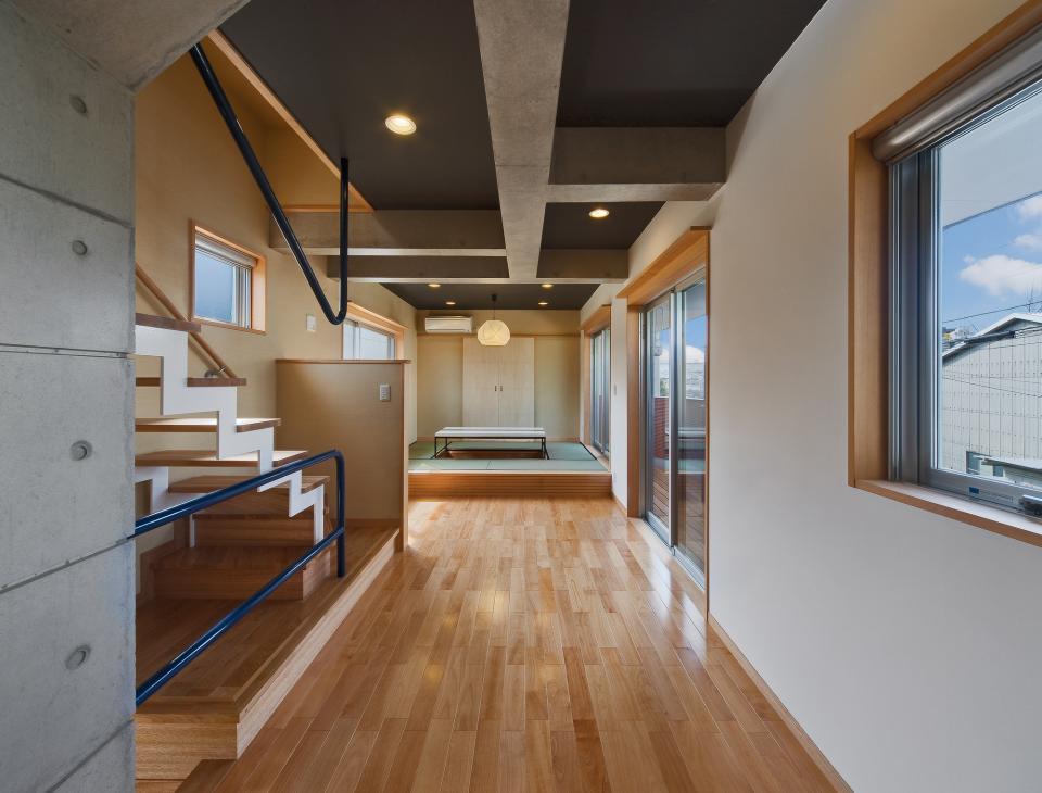 極小住宅 鉄筋コンクリート造 (3F+B1)の縦方向の広がりの写真7