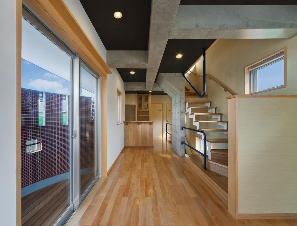 極小住宅 鉄筋コンクリート造 (3F+B1)の縦方向の広がりの写真8