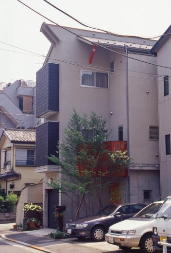 [1F:RC造+2.3F:木造の混構造] 極小3階建て住宅の写真3