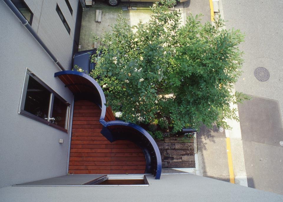 [1F:RC造+2.3F:木造の混構造] 極小3階建て住宅の写真6