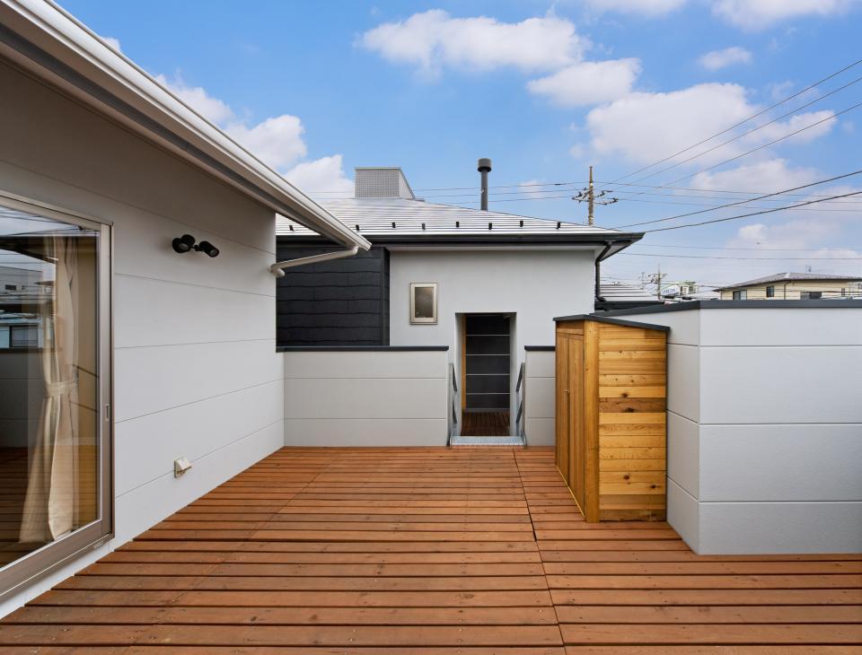 職住近接の暮らし (既存減築工場+新築住宅) 多角形の2階リビングの写真11