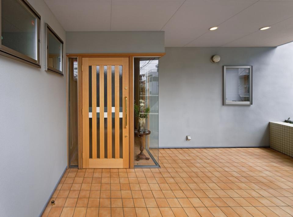 職住近接の暮らし (既存減築工場+新築住宅) 多角形の2階リビングの写真7