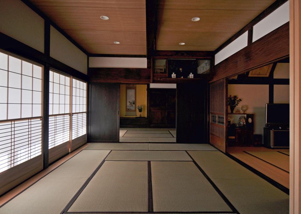 日本家屋の玄関・客間・仏間兼居間・寝室の改修の写真1